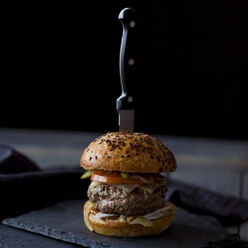 Wokalista Rammstein poleca warzywne burgery