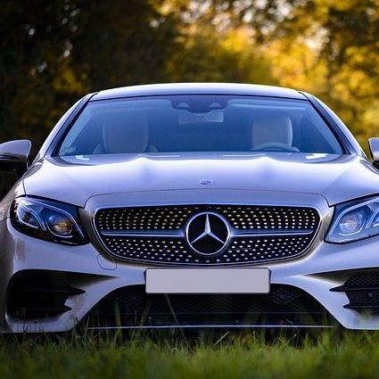 Mistrz F1 negocjuje z Mercedesem, by zrezygnował ze skórzanych dodatków